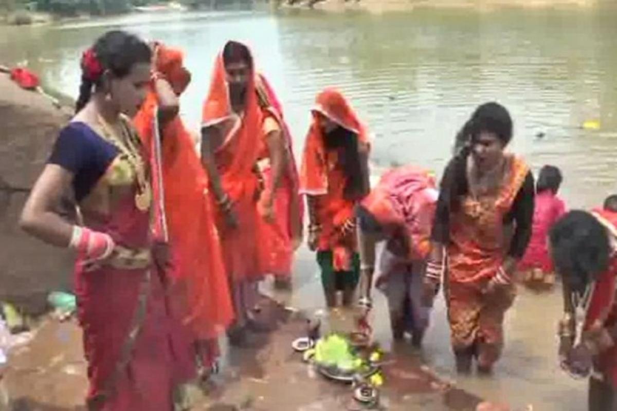 Transgenders in Chhattisgarh observe fast on Hartalika Teej to get rid of Naxalism
