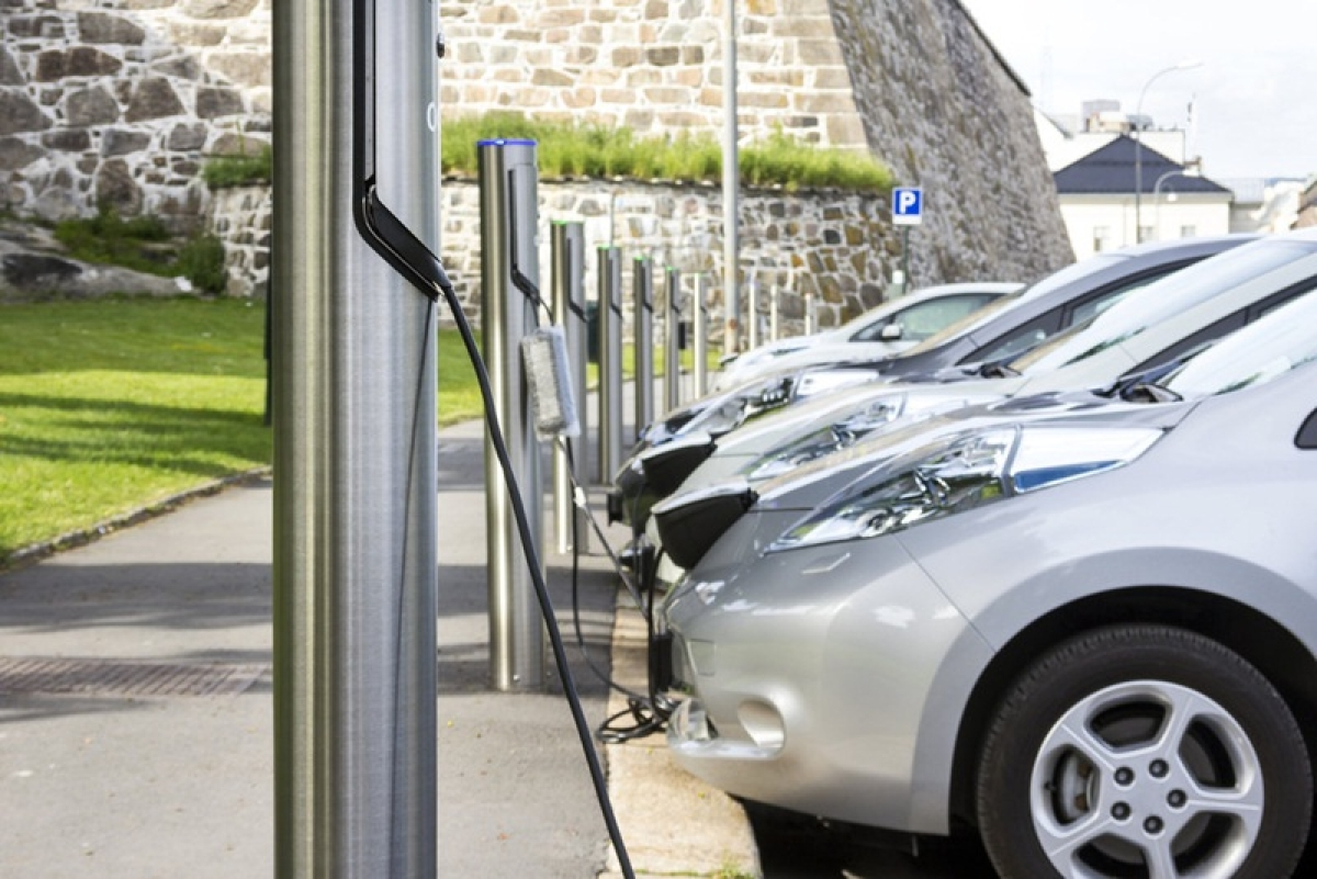 MSEDCL to set up 500 electric vehicle charging stations across Maharashtra