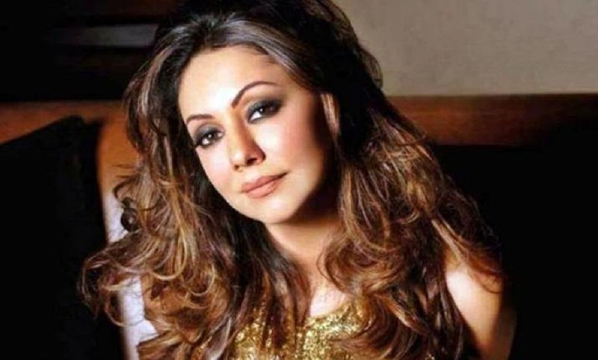 Shah Rukh Khan's wife Gauri Khan celebrates her 48th birthday with 'half of her better halves'; view pics