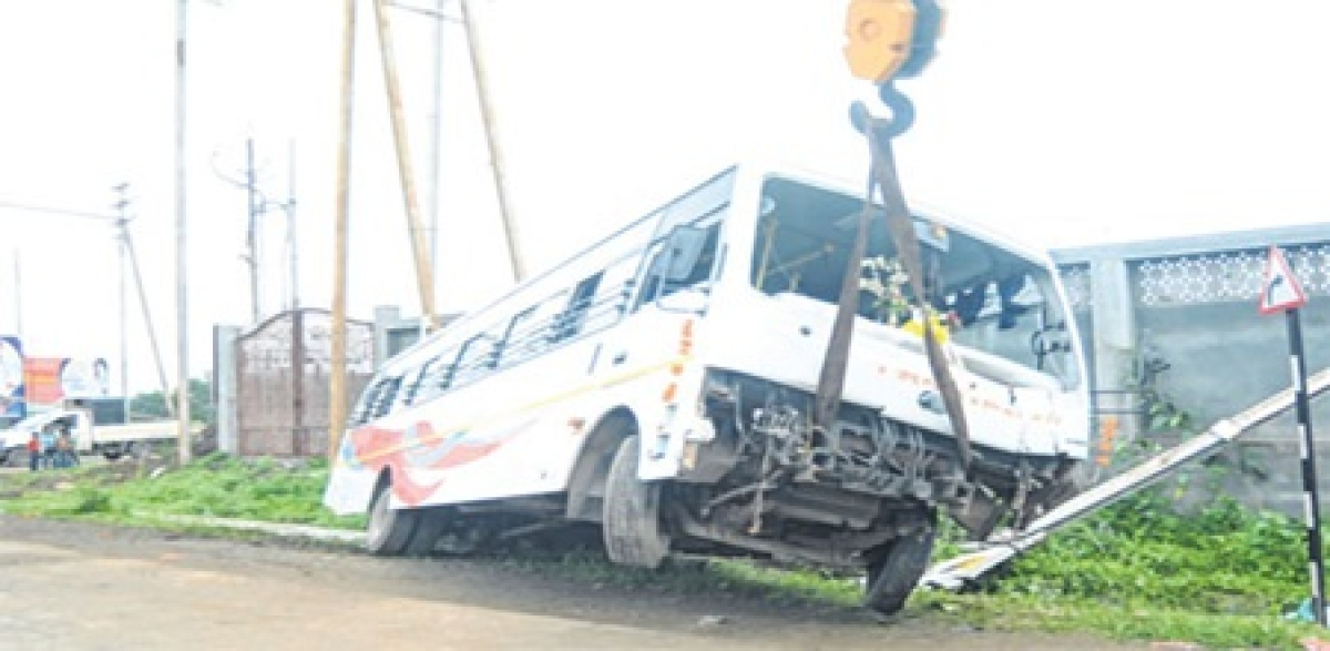 Indore: Two minor brothers injured after being hit by passenger bus