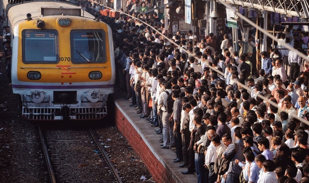 Mumbai: Western Railway train services disrupted for unknown reason