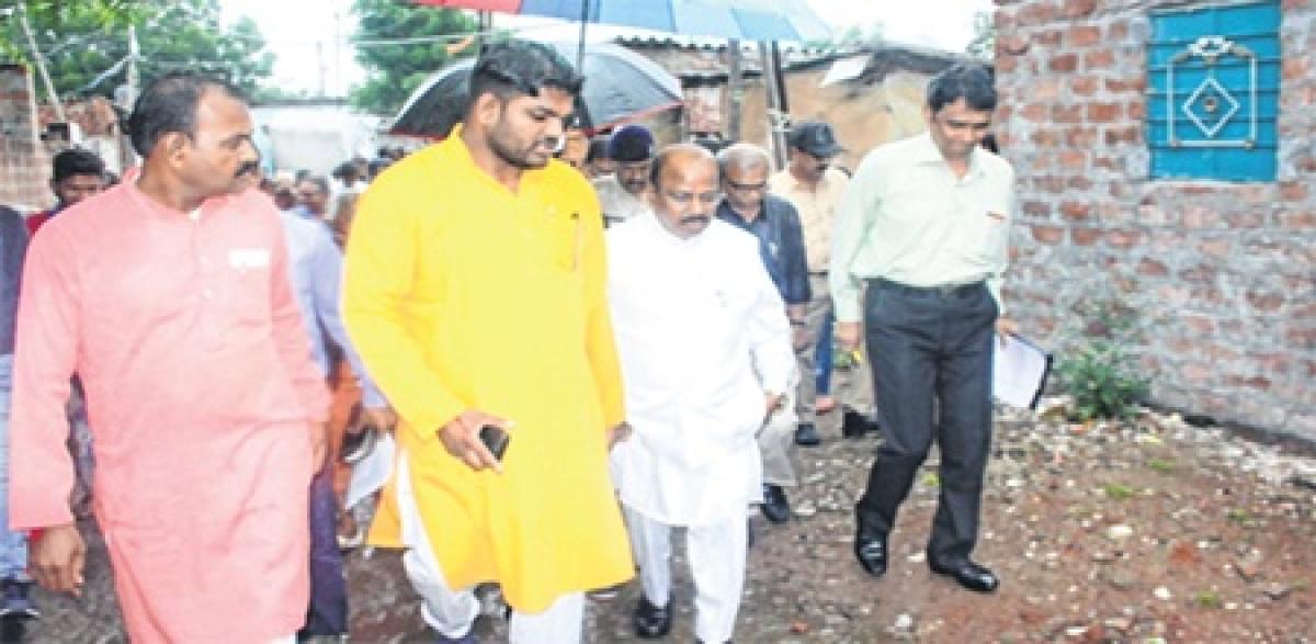 Bhopal: Sanitation workers housing facilities irks safai karmchari commission