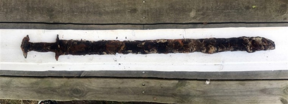 Girl pulls 1,500-year-old sword from Sweden lake