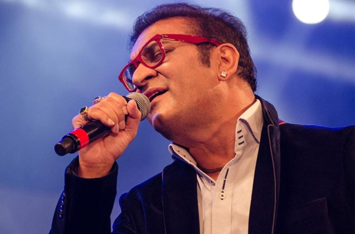When I sang for Shah Rukh Khan, he was a rock star; I stopped, he came down to 'Lungi Dance': Abhijeet Bhattacharya