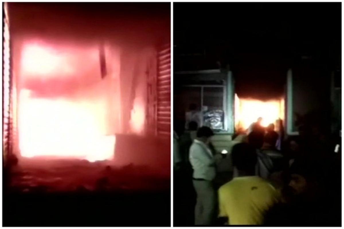 Uttar Pradesh: Massive fire breaks out in electronic shops in Ballia