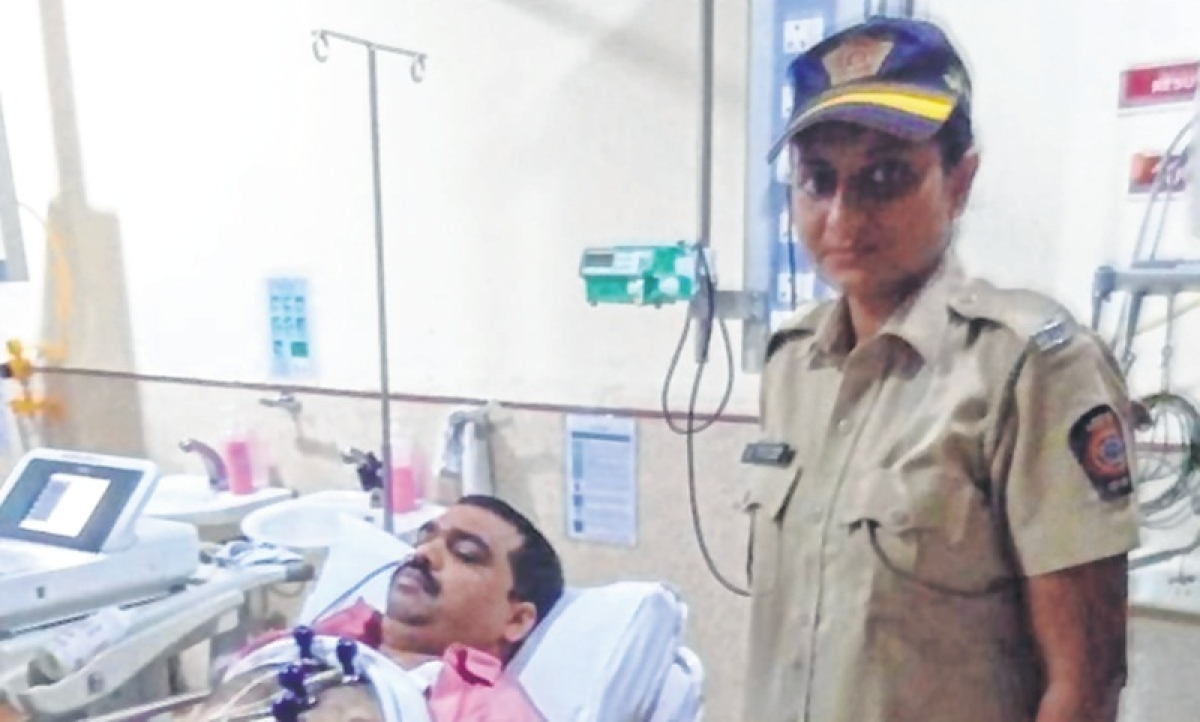 Mumbai: Goddess came in disguise of woman cop to help her devotee