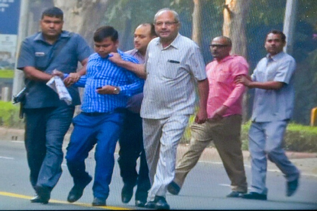 IB men caught near CBI director Alok Verma's house released: Delhi Police