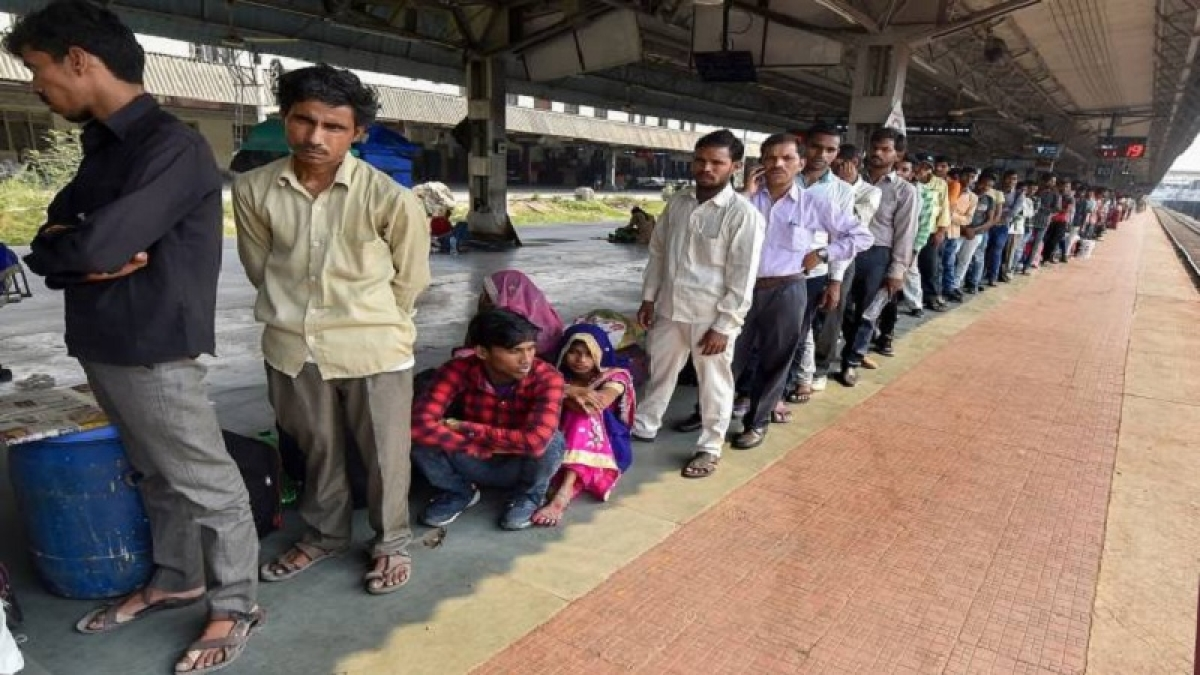 Gujarat: Exodus of migrant workers continues; CM Rupani hits out at Rahul Gandhi