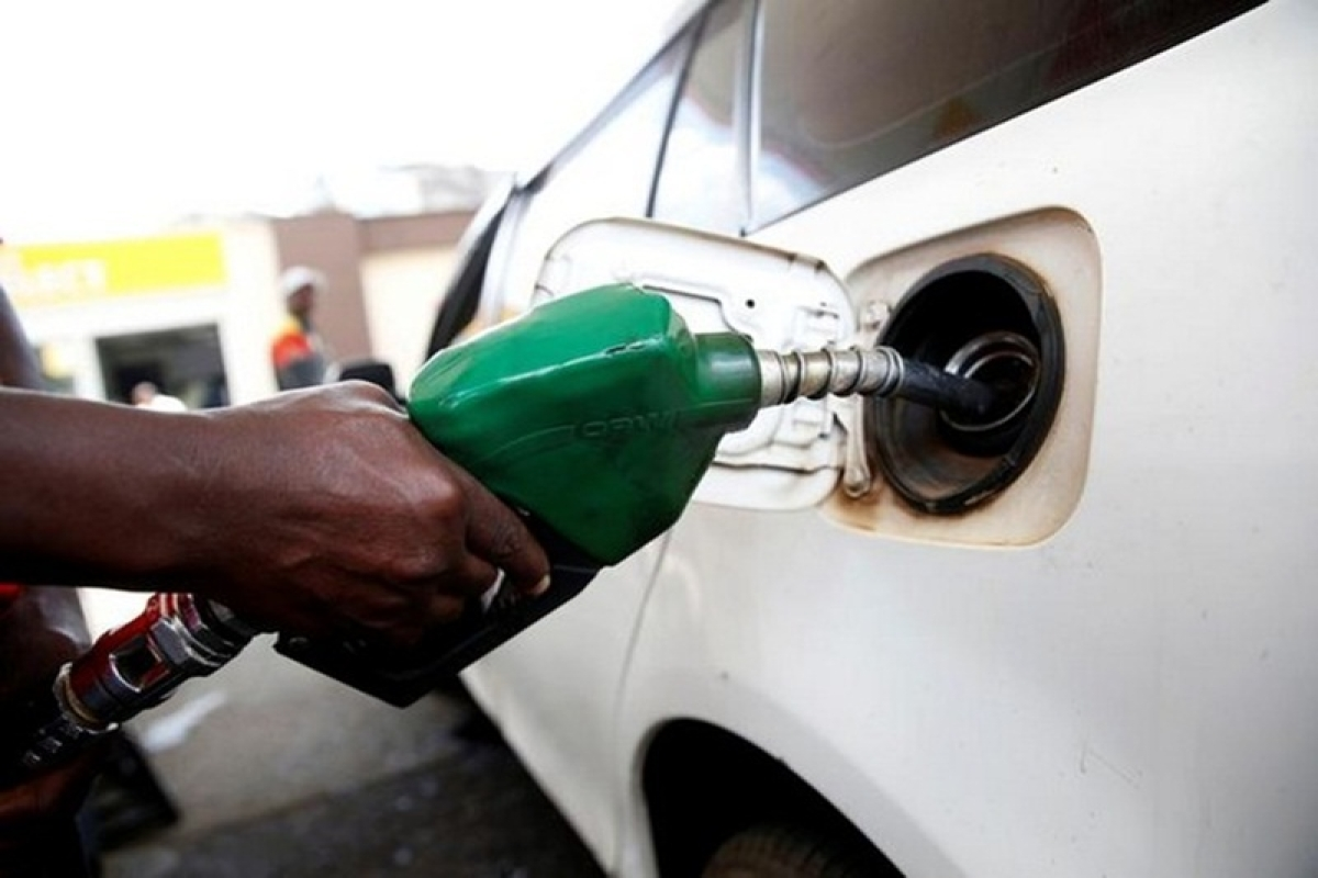 Petrol price cut by Rs 9.6, diesel by Rs 7.56 in six weeks