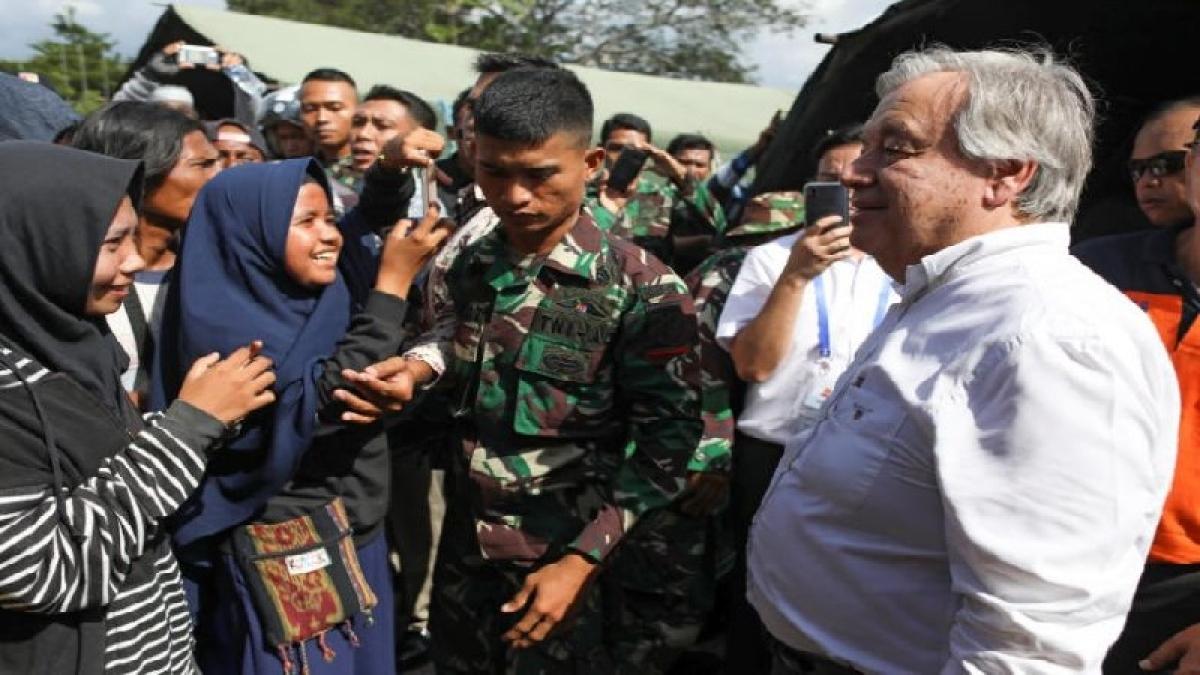 UN chief visits Antonio Guterres Indonesia earthquake, tsunami survivors