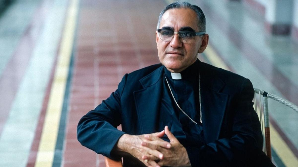 Slain Salvadoran, Pope Paul VI raised to sainthood
