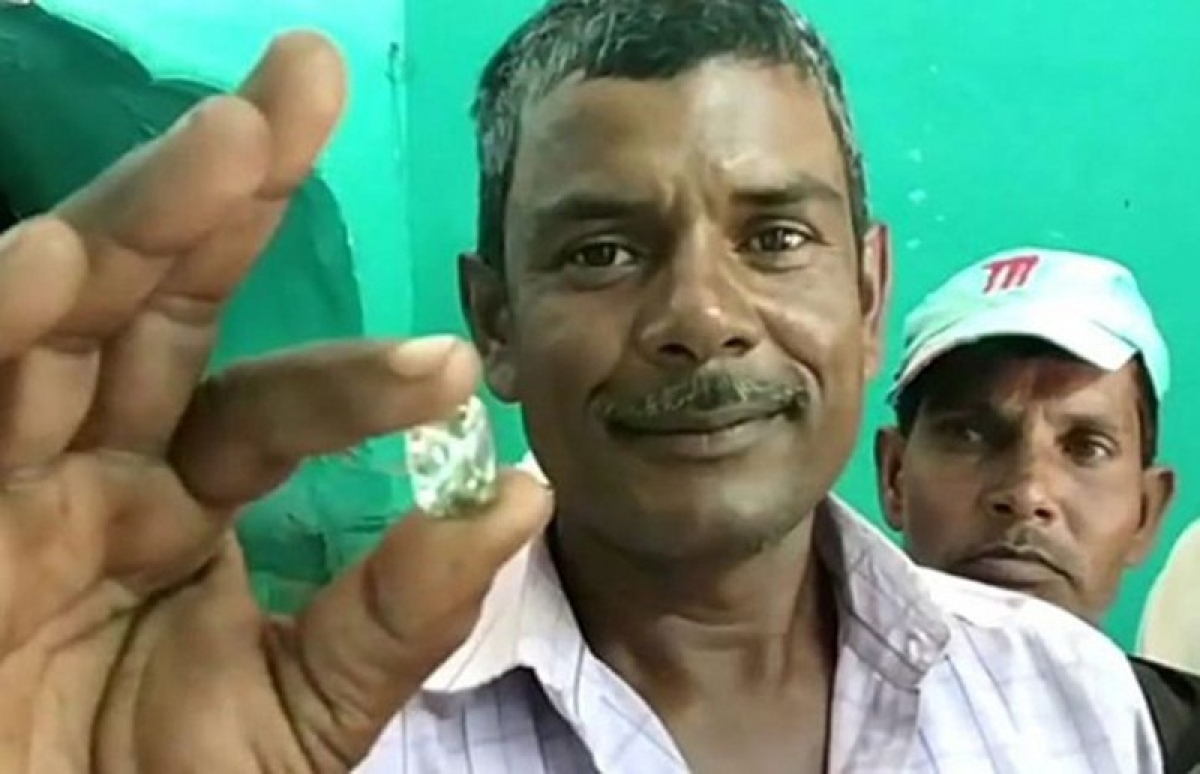 Madhya Pradesh: 30-year-old Motilal Prajapati digs 44.55 carat diamond, wants to get rid of poverty
