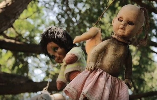 Island of the Dolls: Horrifying island with hanging dolls possessed by ghosts