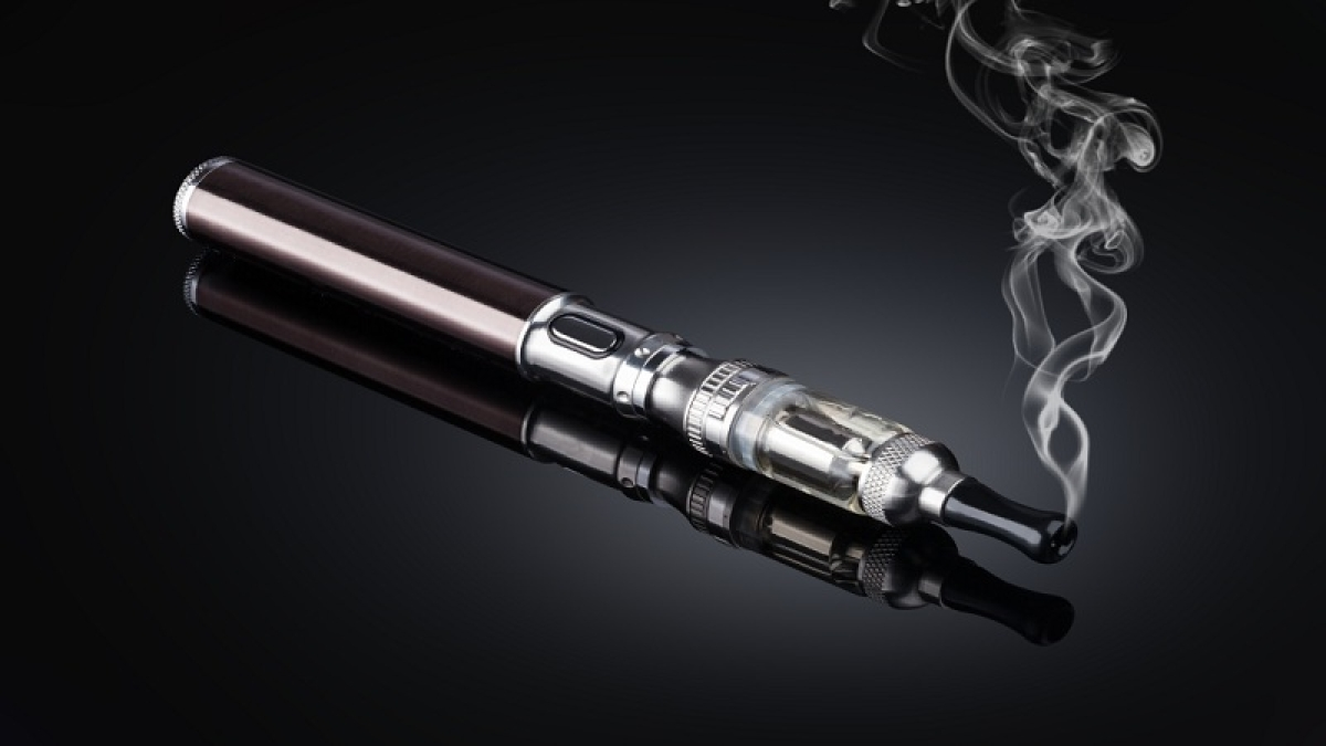 Young adults using e-cigs & conventional ones face stroke risk