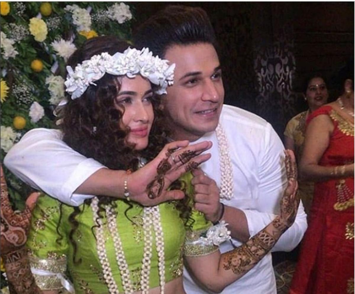 Watch Video! Prince Narula, Yuvika Chaudhary dance their heart out to Punjabi dhol at their Mehendi