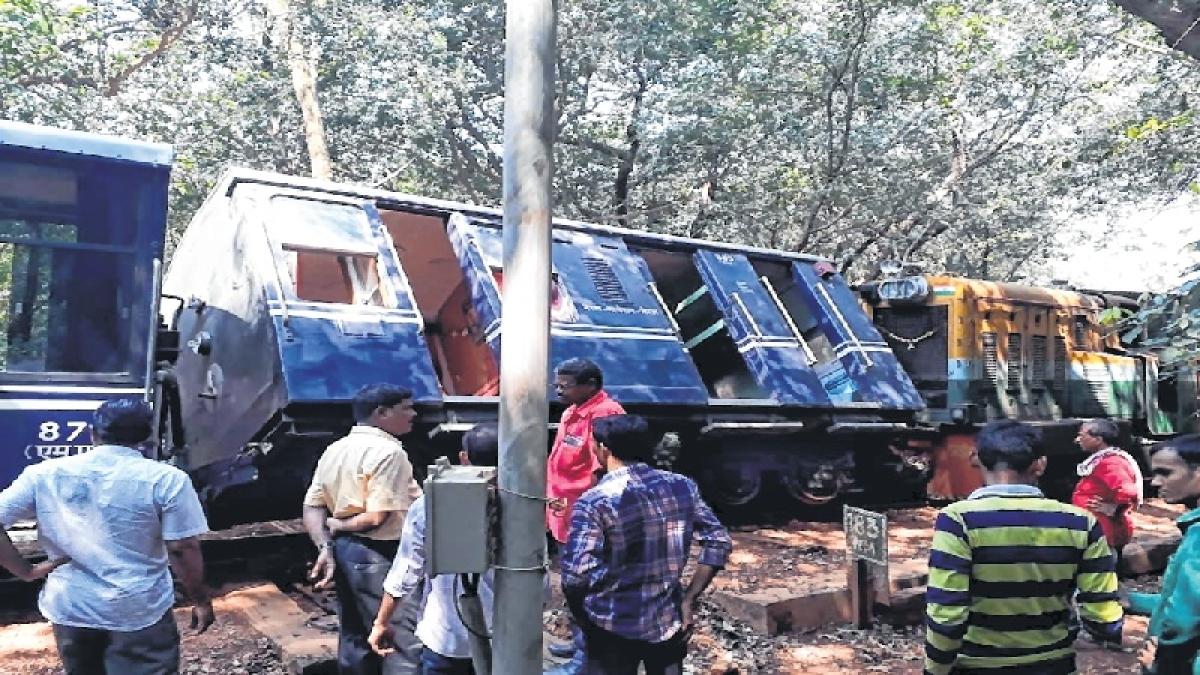Matheran jinx: Toy train derails