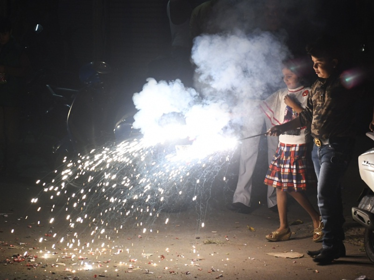 Diwali 2018: Two minors booked by Trombay Police for violating Supreme Court guidelines on bursting firecrackers