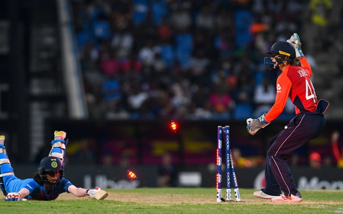 Women's World T20 2018: India been bowled out for 112 against England in semi-final