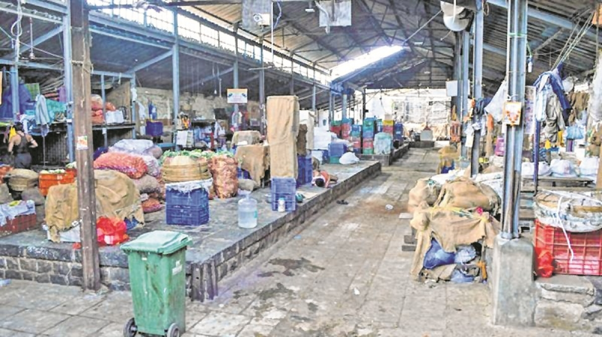 APMC Strike: Maharashtra Government bows down to committee manned by Opposition NCP