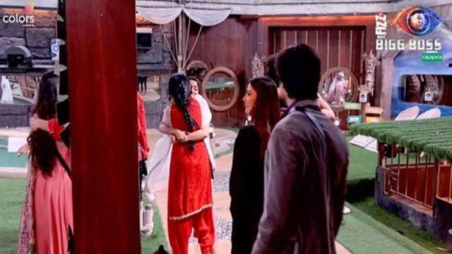 Bigg Boss 12: Kamya Punjabi, Pearl V Puri, Surbhi Jyoti impersonate