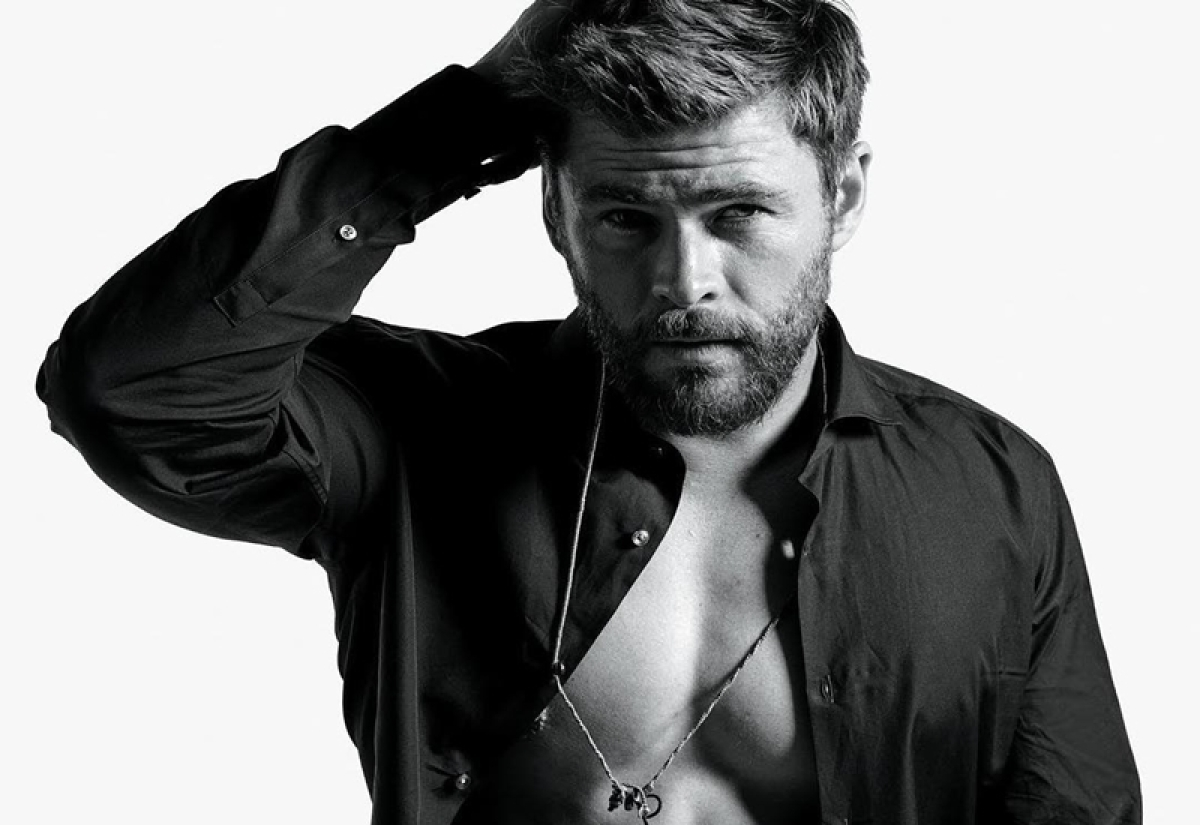 'I'd love to play James Bond,' says Chris Hemsworth