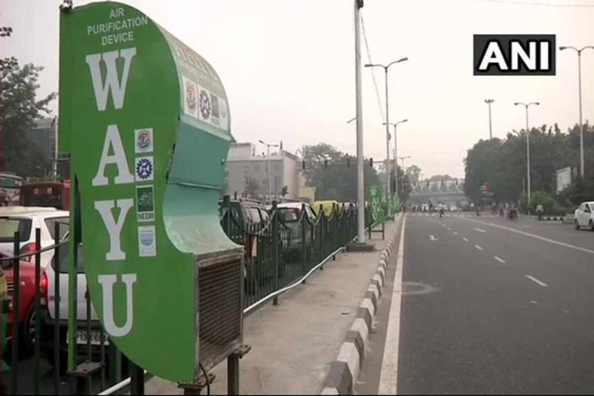 Delhi: Air purifiers installed at ITO crossing as air quality dips to 'very poor'