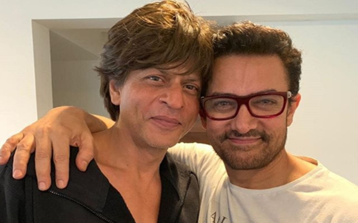 When Aamir Khan refused to eat at Shah Rukh Khan's house; the reason will make you respect the former even more