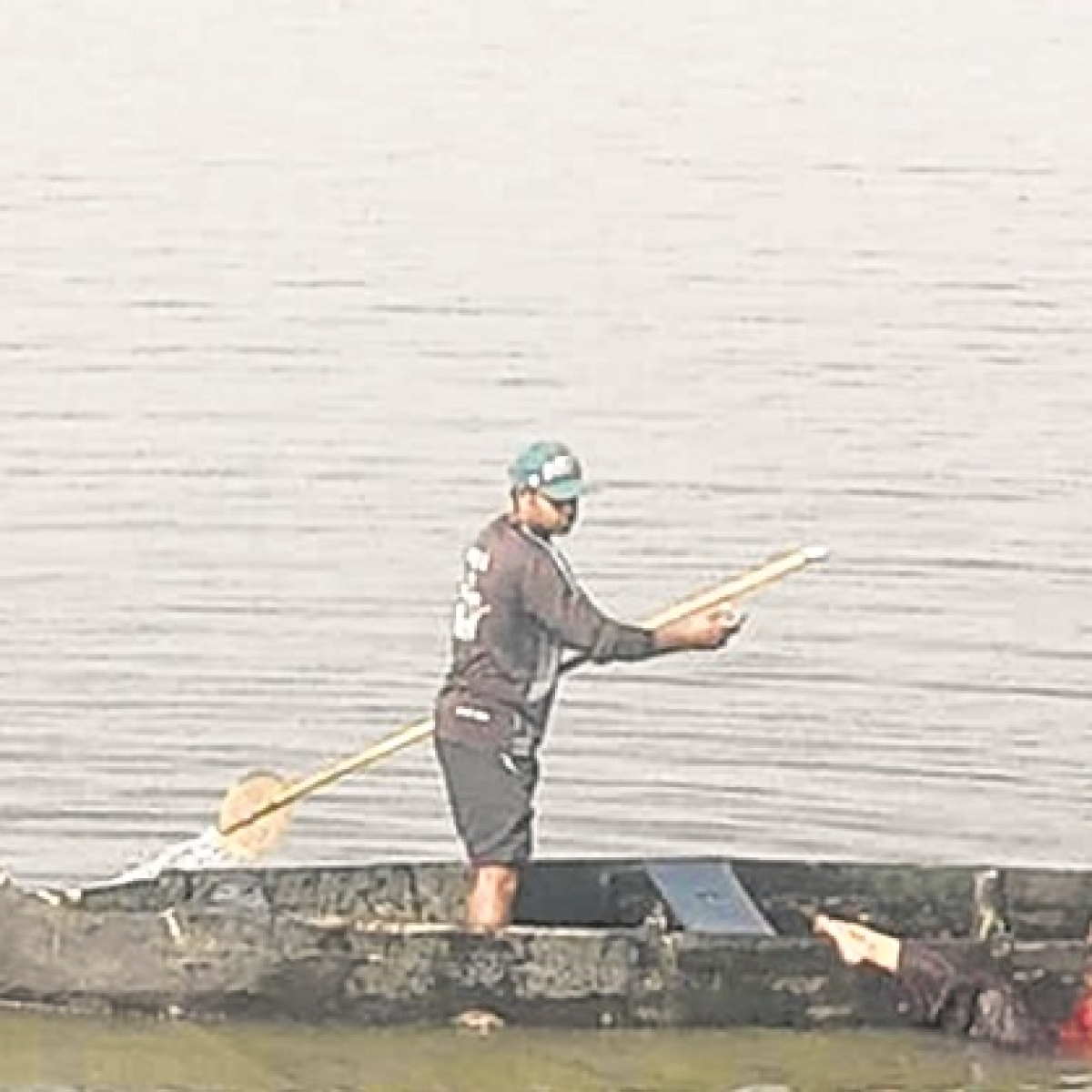 Mumbai man jumps off Vashi bridge; saved by cops with help from fisherman