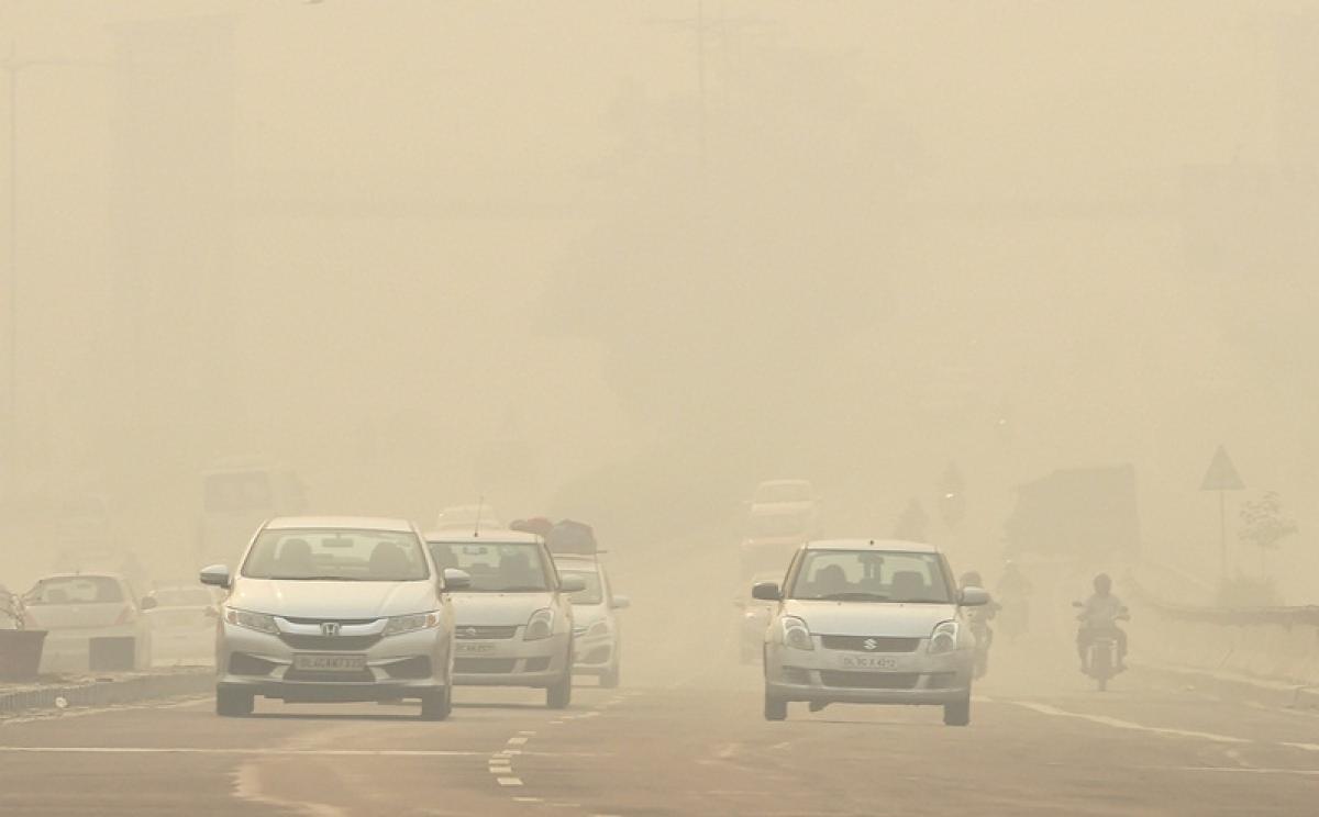 Haze blankets Delhi as air quality worsens to 'severe'