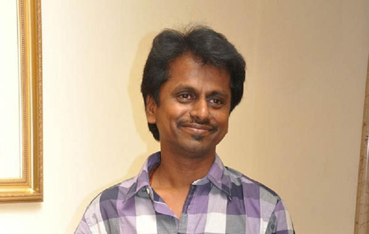 'Sarkar' director AR Murugadoss applies for anticipatory bail in Madras High Court