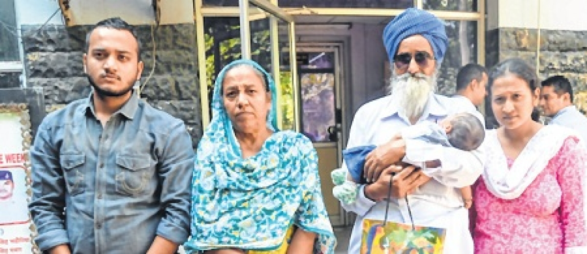 Suicide by married woman: Family members meet DIG, Accuse police of inaction