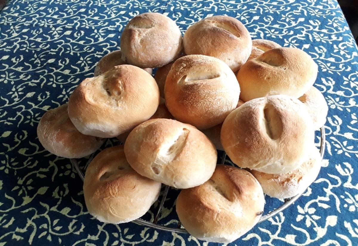 The traditional bread, Goencho Pao
