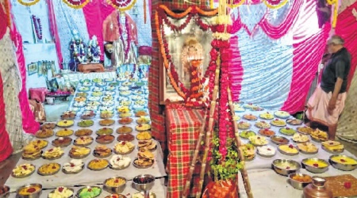 Ujjain: Communities holds Annakoot Mahotsav at several places