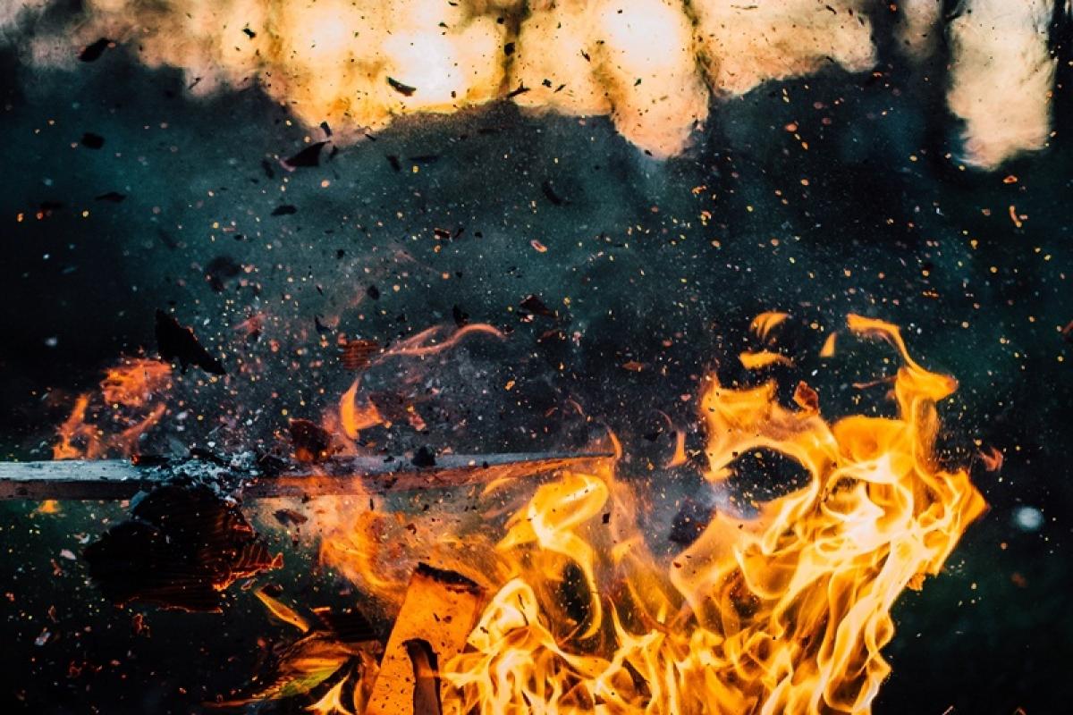 Maharashtra: 2 wagons of goods train catch fire near Dahanu, rail services hit