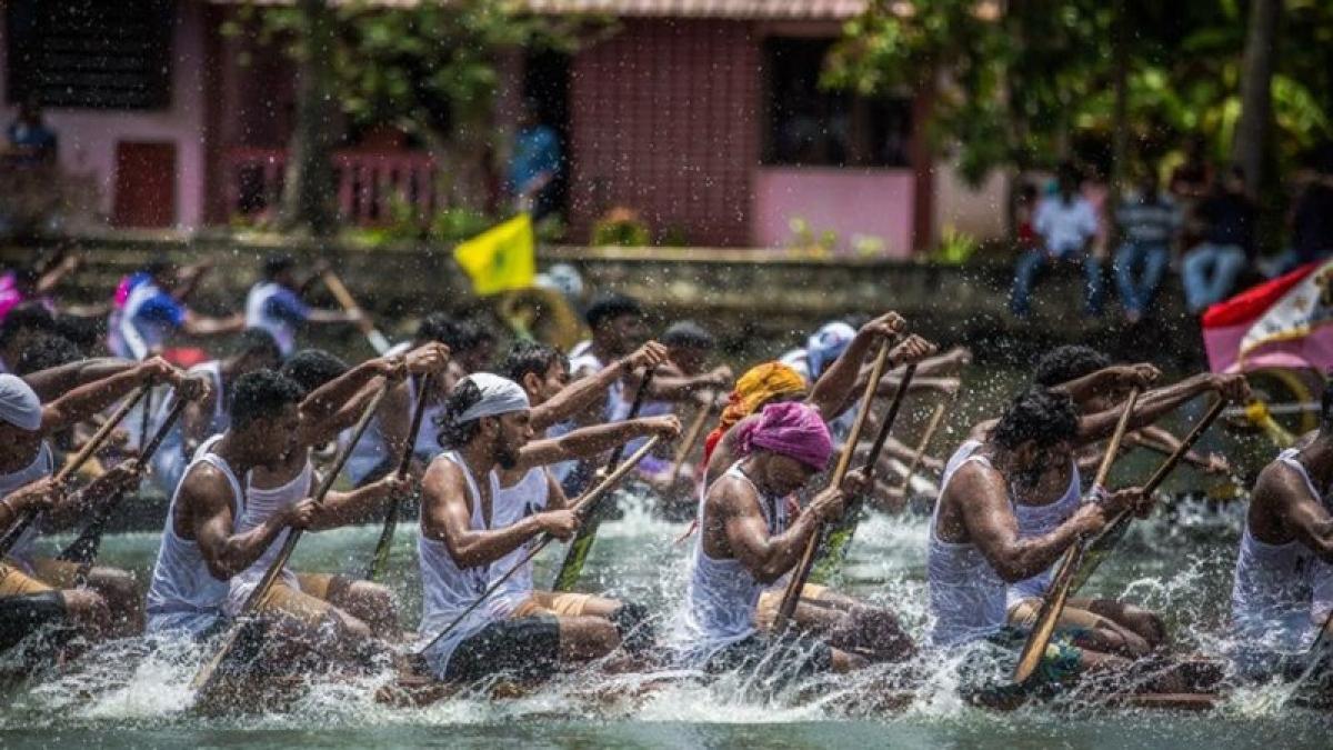 Putting Kerala floods tragedy behind, Punnamada backwaters hosts Nehru Trophy Boat Race