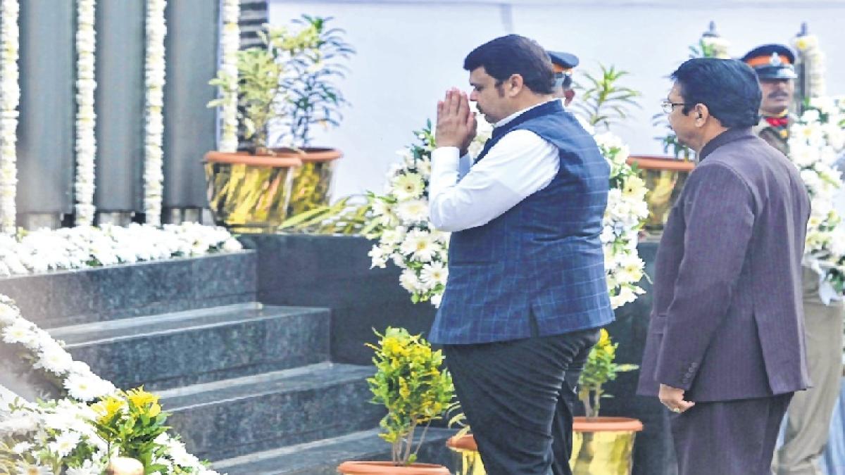 10 years of 26/11: Maharashtra Governor C.V. Rao,CM Fadnavis, others visit Martyrs' Memorial at Chowpatty, lay wreaths