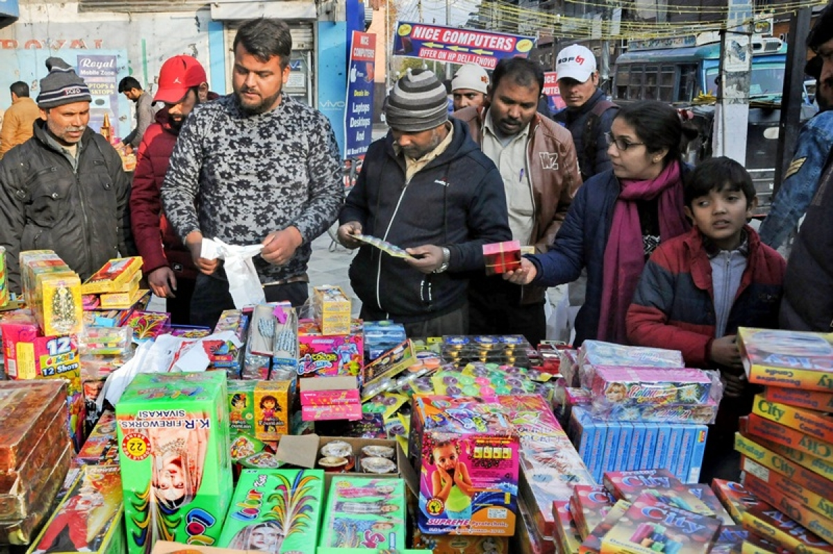 What is green cracker? And what are the timings to burst firecrackers this Diwali?