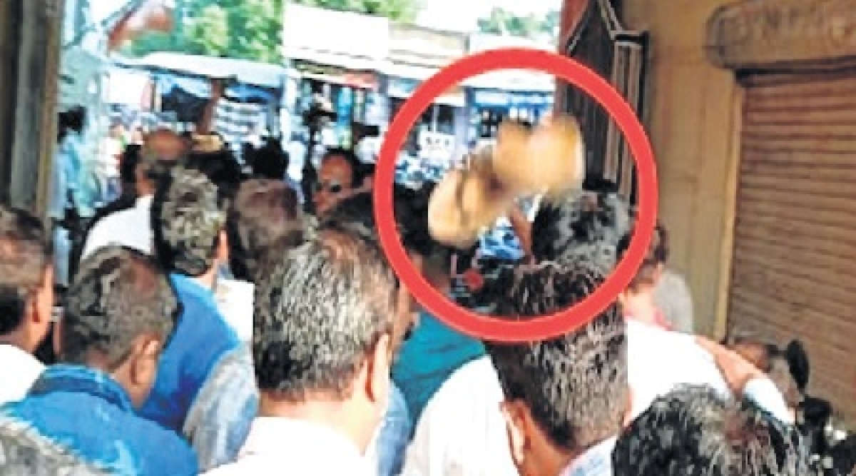 Madhya Pradesh Assembly Polls 2018: BJP worker hurls slipper on leaders
