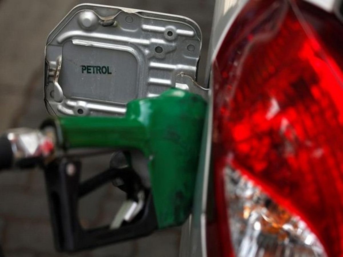 Fuel Price Cut: Fuel prices continue downward trend in New Delhi, Mumbai