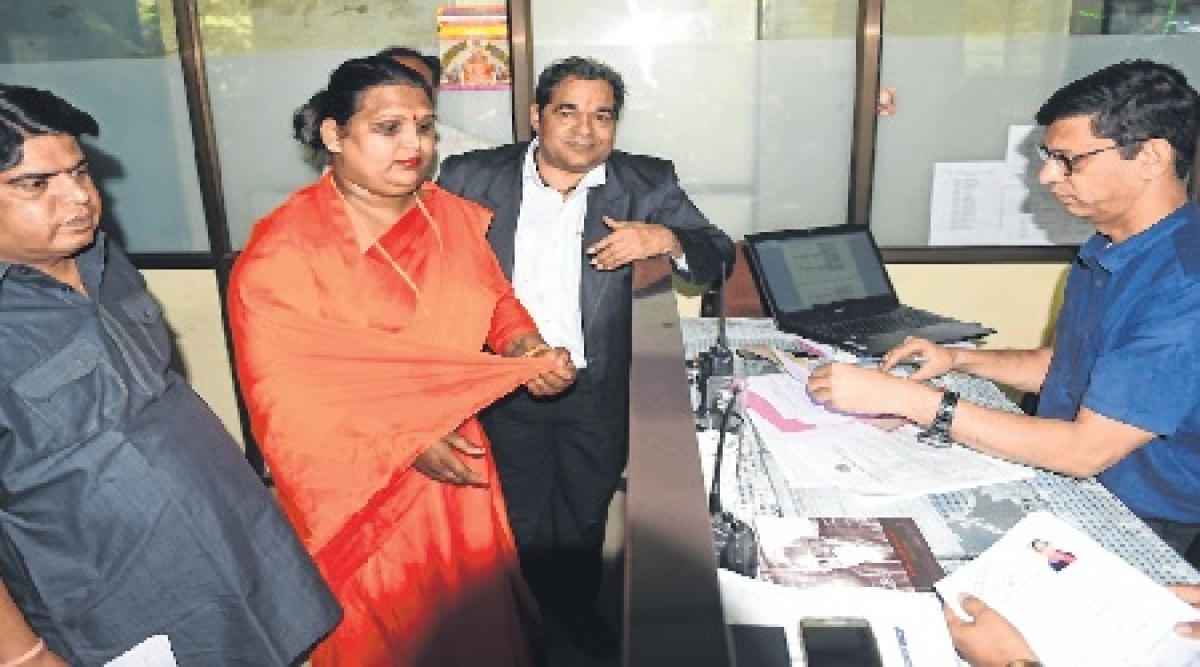 Madhya Pradesh Assembly Polls 2018:Eunuch files nomination from Indore-2