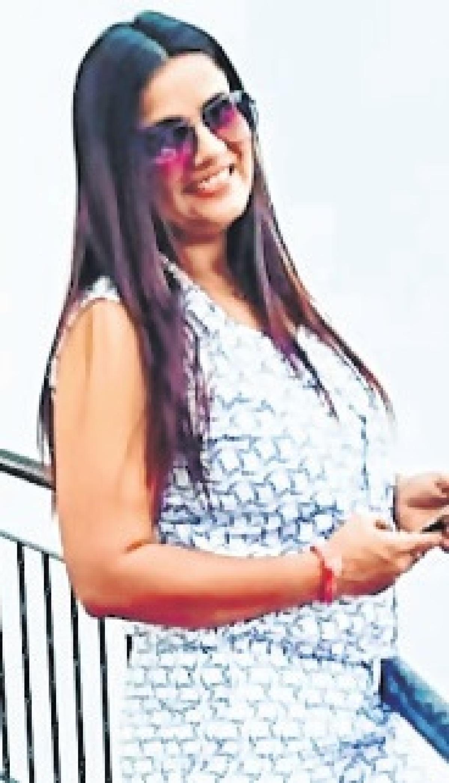 Sneha Upadhyay, beautician