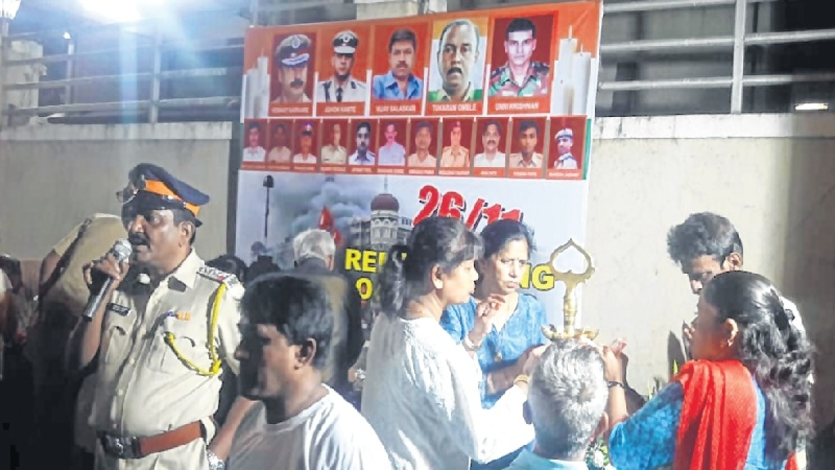 10 years of 26/11: Agripada society members hold candle march