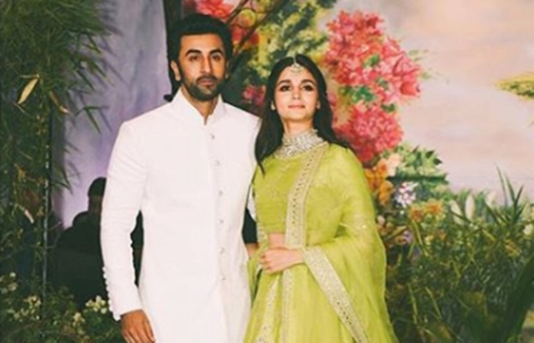 Alia Bhatt added in Ranbir Kapoor's WhatsApp family group?