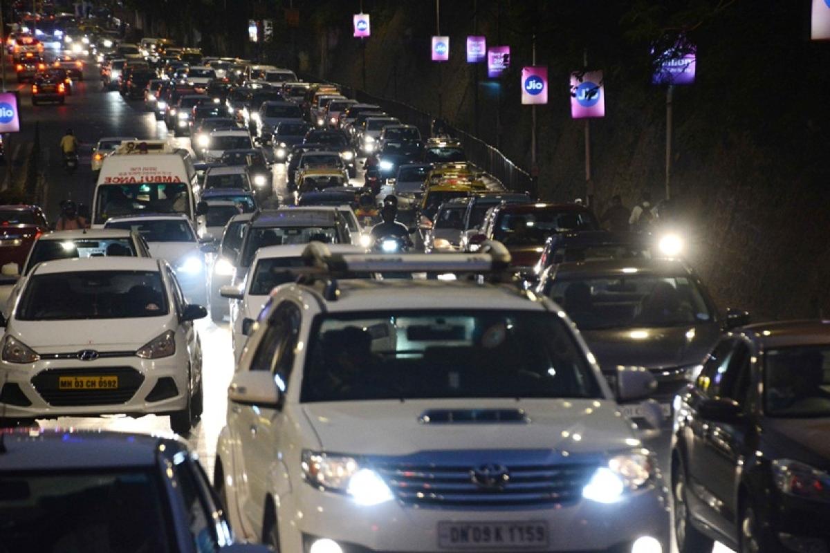 Mumbai: Heavy traffic congestion due to Isha-Anand wedding