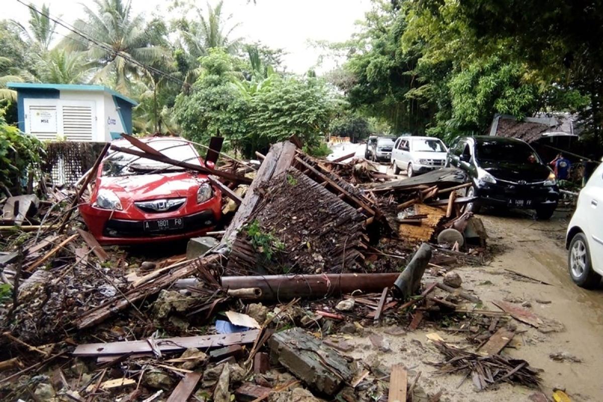 Deadly 'volcano tsunami' hits Indonesia, 62 dead