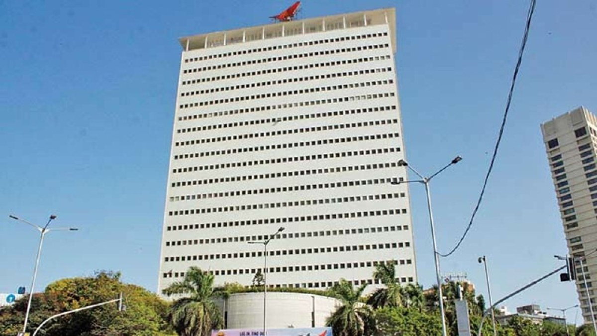 Mumbai: Cash-strapped Air India puts it iconic 23-storey building in Nariman Point for sale