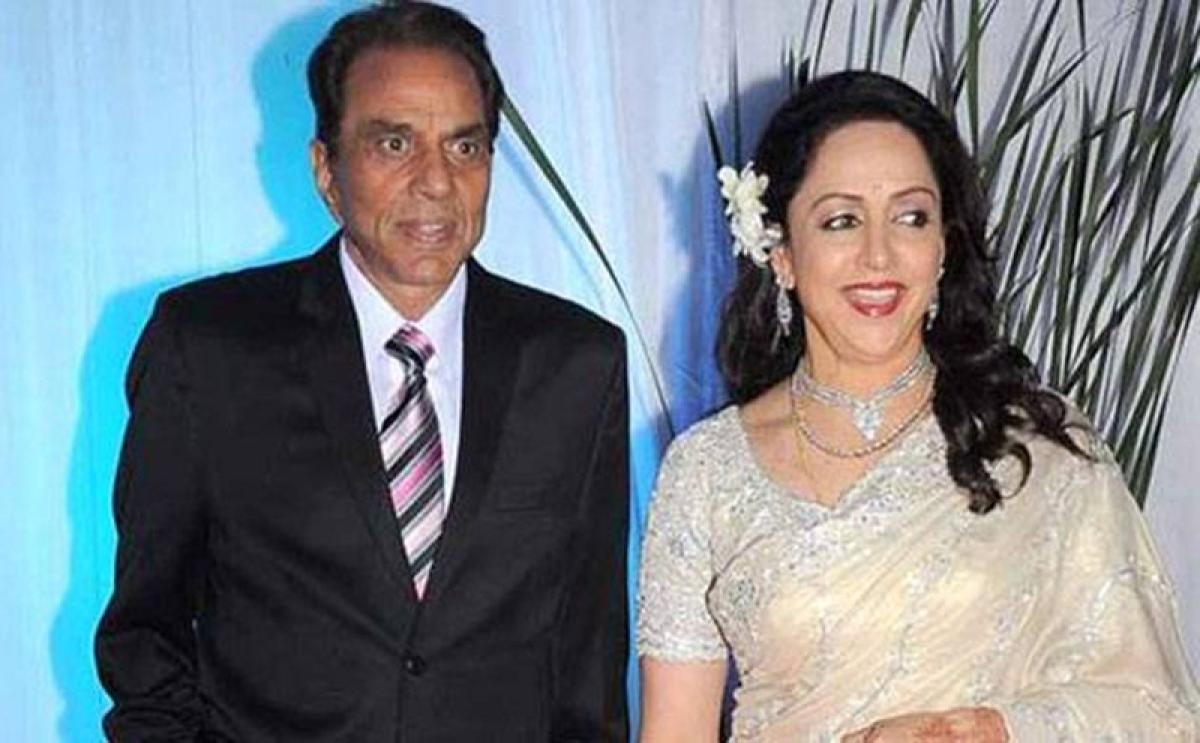 Dharmendra turns 83, Hema calls him 'everlasting love'