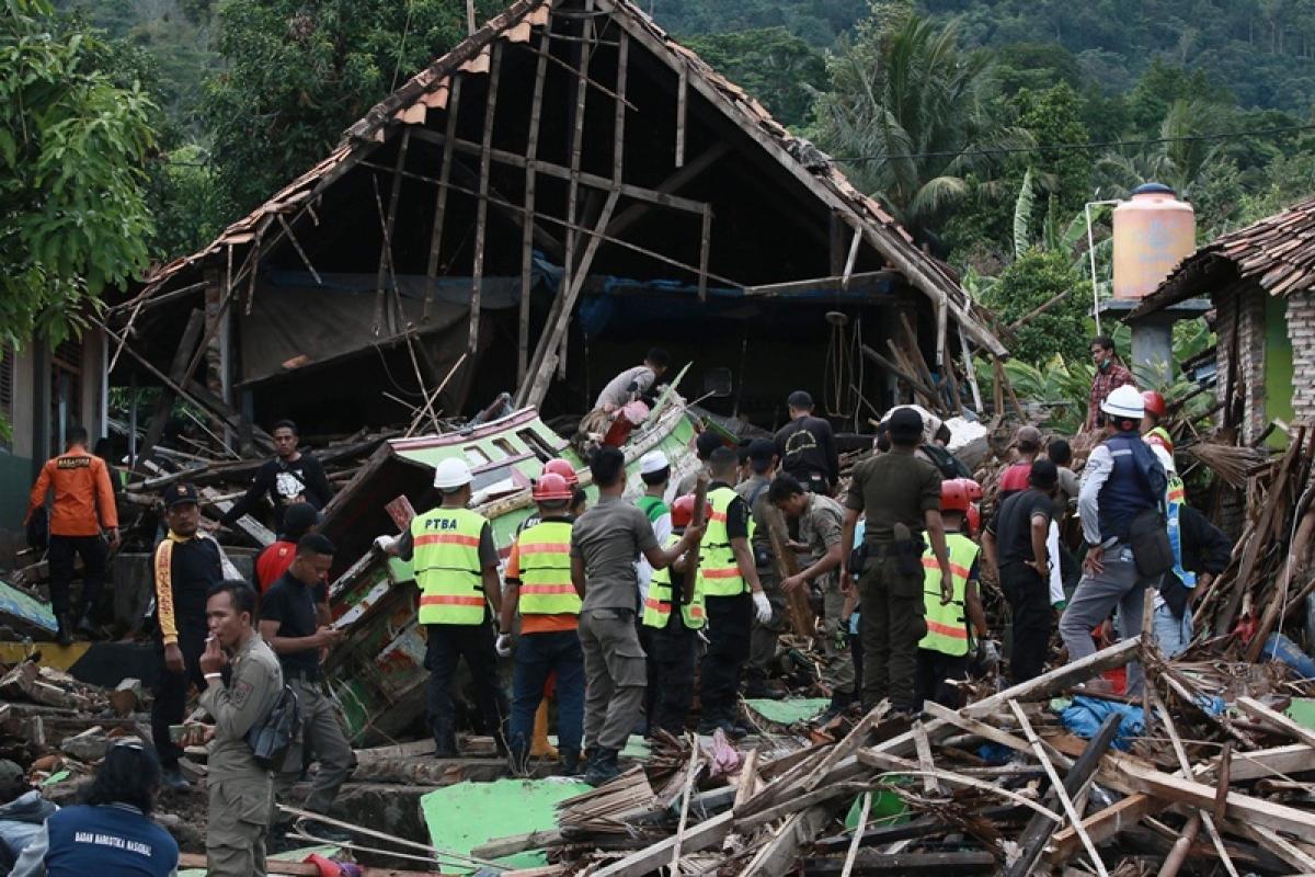 7.2 earthquake hits Philippines, tsunami warning lifted