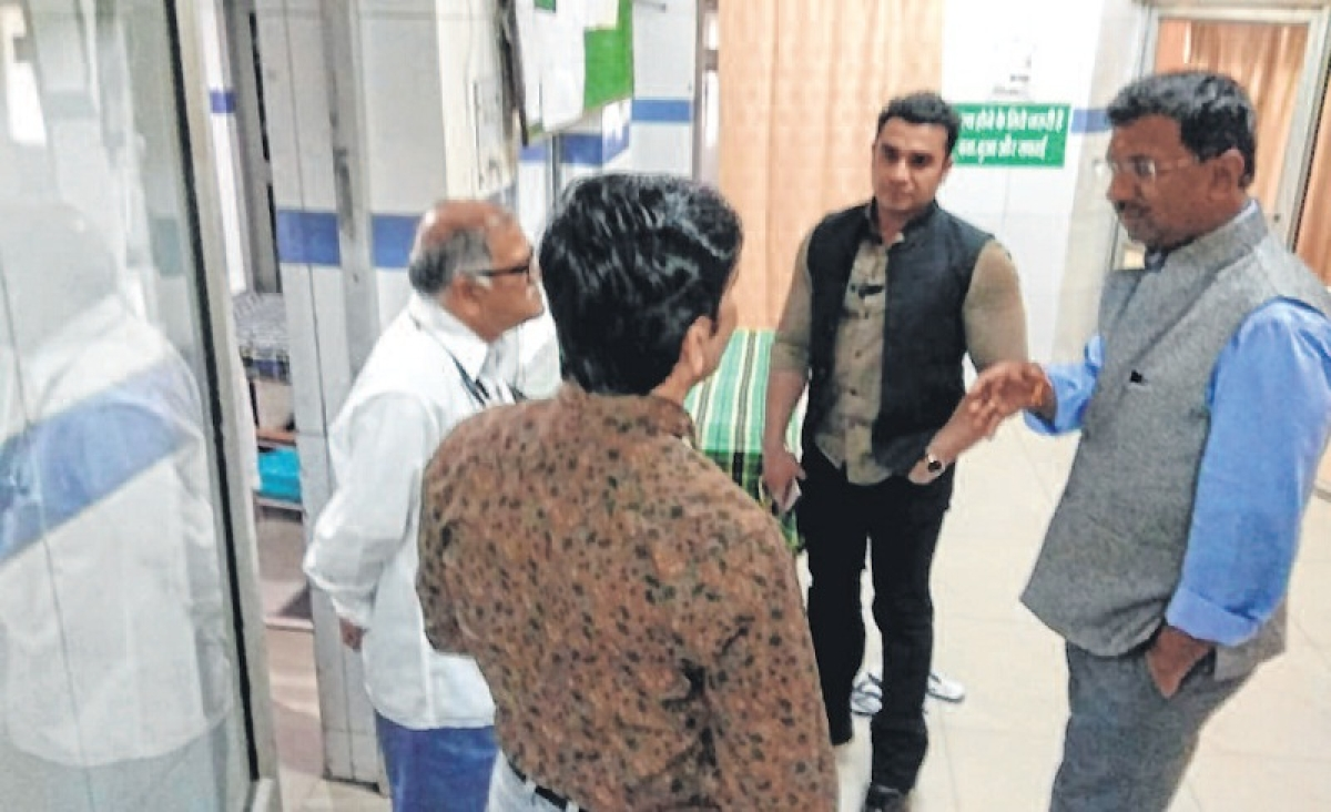 Collector, SP visit Civil Hospital; asks authorities to maintain hygiene