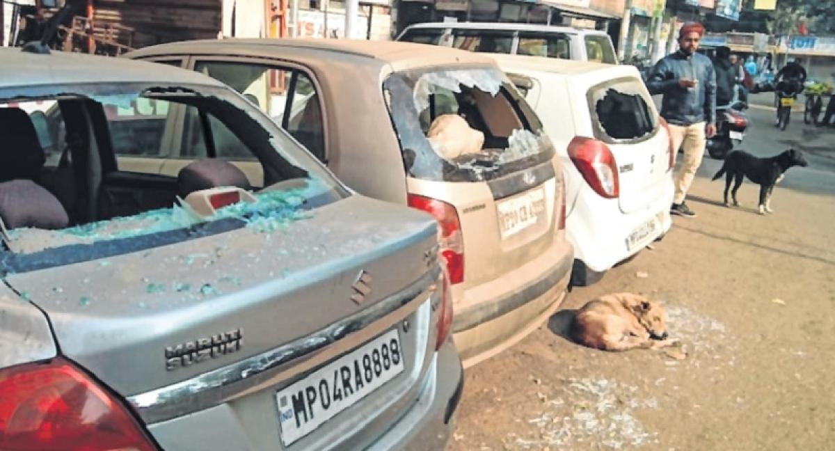 Unidentified miscreants vandalise 20 vehicles